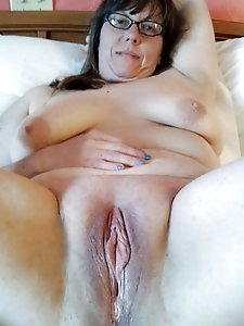 French mature cuties get ready for sex
